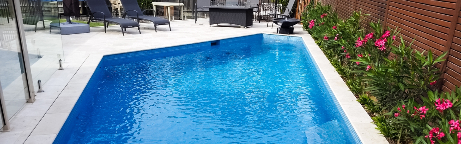 pool tiling access pools